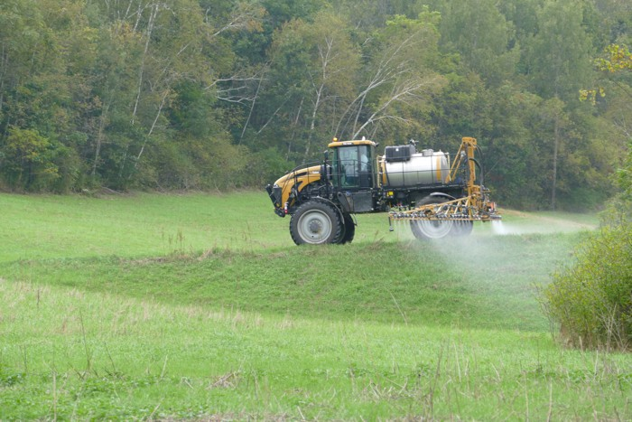 pats prairie spraying 1